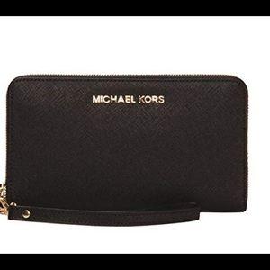 Michael Kors Jet Set Smartphone Wallet Wristlet